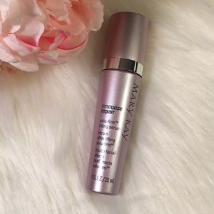 Mary Kay TimeWise volu-firm lifting serum!
